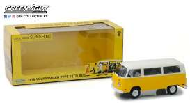 Volkswagen  - T2 Bus *Little Miss Sunshine* 1978 yellow/white - 1:24 - GreenLight - 84081 - gl84081 | The Diecast Company