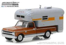 Chevrolet  - C-10 1970 brown/white - 1:64 - GreenLight - 30023 - gl30023 | The Diecast Company