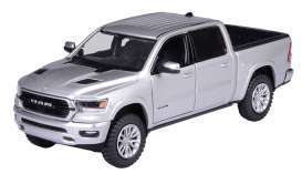 Ram  - 1500 2019 silver - 1:27 - Motor Max - 79357s - mmax79357s | The Diecast Company