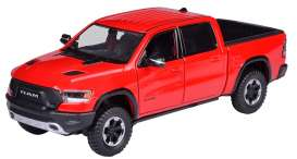 Ram  - 1500 2019 red - 1:24 - Motor Max - 79358r - mmax79358r | The Diecast Company