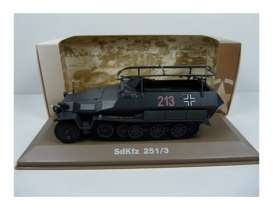 Military Vehicles  - SDKFZ 251/3 Commande 1940 green/black - 1:43 - Magazine Models - MILBL39 - magMILBL39 | The Diecast Company