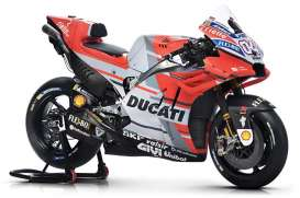 Ducati  - Desmosedici red/white/black - 1:18 - Maisto - 34593D - mai34593D | The Diecast Company