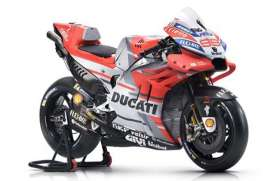 Ducati  - Desmosedici red/white/black - 1:18 - Maisto - 31593L - mai31593L | The Diecast Company