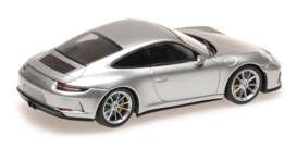 Porsche  - 911 2018 silver metallic - 1:43 - Minichamps - 410067422 - mc410067422 | The Diecast Company
