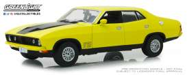 Ford  - XB Falcon GT 4-doors Sedan 1974 yellow - 1:18 - GreenLight - 18013 - gl18013 | The Diecast Company