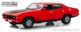 Ford  - XB Falcon GT 4-doors Sedan 1974 red pepper - 1:18 - GreenLight - 18014 - gl18014 | The Diecast Company
