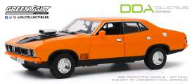 Ford  - XB Falcon GT 4-doors Sedan 1974 orange - 1:18 - GreenLight - 18015 - gl18015 | The Diecast Company