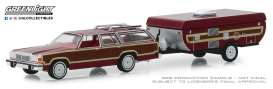 Ford  - LTD Country Squire 1981 red-brown - 1:64 - GreenLight - 32160C - gl32160C | The Diecast Company