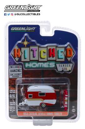 Catolac DeVille Travel Trailer  - 1959 white/red - 1:64 - GreenLight - 34060A - gl34060A | The Diecast Company