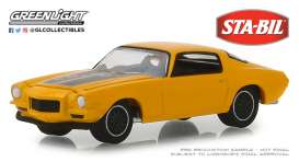 Chevrolet  - Camaro  1970 yellow - 1:64 - GreenLight - 30025 - gl30025 | The Diecast Company