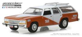 Ford  - LTD Crown Victoria 1988 white/orange - 1:64 - GreenLight - 30026 - gl30026 | The Diecast Company