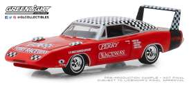 Dodge  - Charger Daytona 1969 red/white - 1:64 - GreenLight - 30043 - gl30043 | The Diecast Company