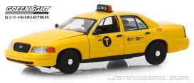 Ford  - Crown Victoria 2011 yellow - 1:43 - GreenLight - 86164 - gl86164 | The Diecast Company
