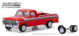 Ford  - 1975 red/white/black - 1:64 - GreenLight - 97060E - gl97060E | The Diecast Company