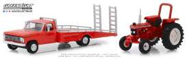 Ford  - 1969 red - 1:64 - GreenLight - 33160A - gl33160A | The Diecast Company