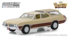 Oldsmobile  - Vista Cruiser 1970 beige/brown - 1:64 - GreenLight - 44840E - gl44840E | The Diecast Company