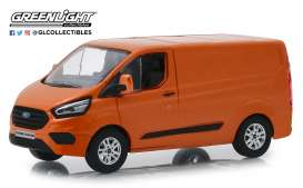 Ford  - Transit Custom V362 MCA Sport 2018 orange glow - 1:43 - GreenLight - 51276 - gl51276 | The Diecast Company