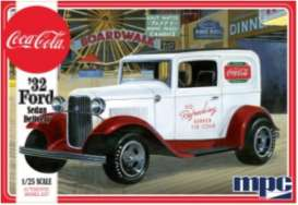 Ford  - Sedan Delivery 1932  - 1:25 - MPC - 902 - mpc902 | The Diecast Company