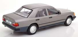 Mercedes Benz  - 300D (W124) 1984 grey - 1:18 - MCG - 18100 - MCG18100 | The Diecast Company