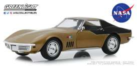 Chevrolet  - Corvette  1969 gold - 1:24 - GreenLight - 18254 - gl18254 | The Diecast Company