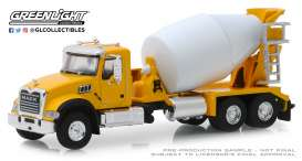 Mack  - Granite 2019 yellow/white - 1:64 - GreenLight - 45070B - gl45070B | The Diecast Company