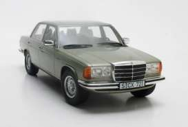Mercedes Benz  - 280E 1976 green - 1:18 - Cult Models - CML072-1 - CML072-1 | The Diecast Company