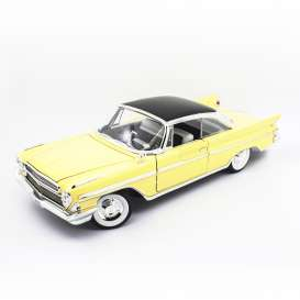 Desoto  - Adventurer 1961 yellow/black - 1:18 - Lucky Diecast - 92738 - ldc92738y | The Diecast Company