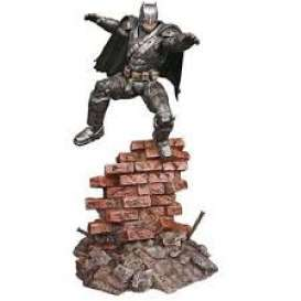 Batman  - Dawn of Justice Armored Batman  - 1:8 - Moebius - M1013 - moes1013 | The Diecast Company