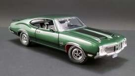 Oldsmobile  - 444 W30 1970 green/black - 1:18 - Acme Diecast - A1805612 - acme1805612 | The Diecast Company