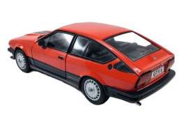 Alfa Romeo  - GTV6 1984 red - 1:18 - Solido - 1802301 - soli1802301 | The Diecast Company