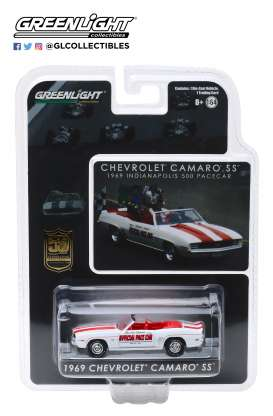 Chevrolet  - Camaro 1969 white/red - 1:64 - GreenLight - 30082 - gl30082 | The Diecast Company