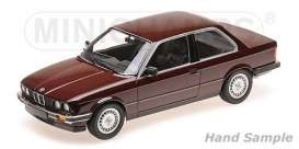 BMW  - 323I 1982 red - 1:18 - Minichamps - 155026007 - mc155026007 | The Diecast Company