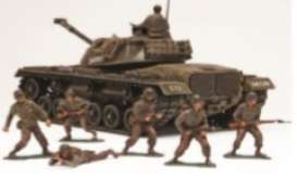 Patton Tank  - 1:35 - Revell - US - 7853 - rmxs7853 | The Diecast Company