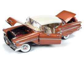 Chevrolet  - hardtop coupe 1958 copper-gold - 1:18 - Auto World - 1164 - AMM1164 | The Diecast Company