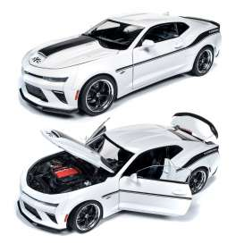 Chevrolet  - Camaro Yenko S/C 2018 white - 1:18 - Auto World - 253 - AW253 | The Diecast Company