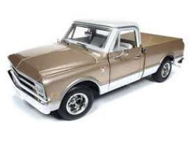 Chevrolet  - C10 Fleet Side  1968 gold/white - 1:18 - Auto World - 1165 - AMM1165 | The Diecast Company