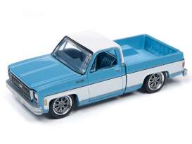 Chevrolet  - Cheyenne blue/white - 1:64 - Auto World - SP023B - AWSP023B | The Diecast Company