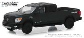 Nissan  - Titan XD Pro-4x 2018 black - 1:64 - GreenLight - 27990E - gl27990E | The Diecast Company