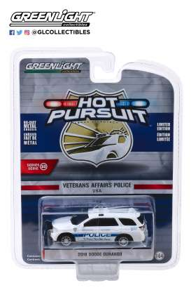 Dodge  - Durango 2018 white/blue - 1:64 - GreenLight - 42900F - gl42900F | The Diecast Company