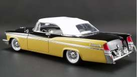 Chrysler  - New Yorker  convertible 1956 nugget gold/black - 1:18 - Acme Diecast - 1809004 - acme1809004 | The Diecast Company