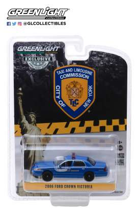 Ford  - Crown Victoria 2011 blue - 1:64 - GreenLight - 30092 - gl30092 | The Diecast Company
