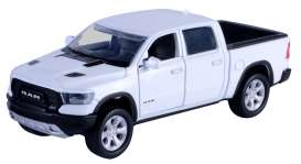Ram  - 1500 Rebel Crew Cab 2019 white - 1:32 - Motor Max - 73680 - mmax73680w | The Diecast Company