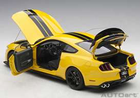 Ford Shelby | Mustang GT350R Yellow/black | 1:18 | AutoArt