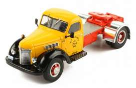 IHC  - KB7 orange/black - 1:43 - IXO Models - tr020 - ixtr020 | The Diecast Company