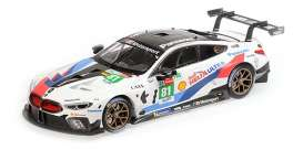 BMW  - M8 2018 white/blue/red - 1:18 - Minichamps - 155182981 - mc155182981 | The Diecast Company
