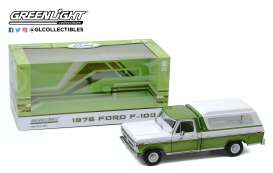 Ford  - F-100 1976 green/white - 1:18 - GreenLight - 13545 - gl13545 | The Diecast Company