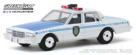 Chevrolet  - Caprice  1989 white/blue - 1:64 - GreenLight - 30100 - gl30100 | The Diecast Company