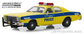 Plymouth  - Fury 1977 yellow/blue - 1:43 - GreenLight - 86568 - gl86568 | The Diecast Company