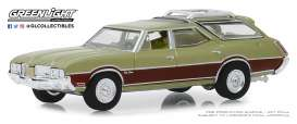 Oldsmobile  - Vista Cruiser 1971 green-brown - 1:64 - GreenLight - 29970C - gl29970C | The Diecast Company
