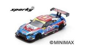 Nissan  - GT-R Nismo 2018 blue/red - 1:64 - Spark - Y129 - spaY129 | The Diecast Company